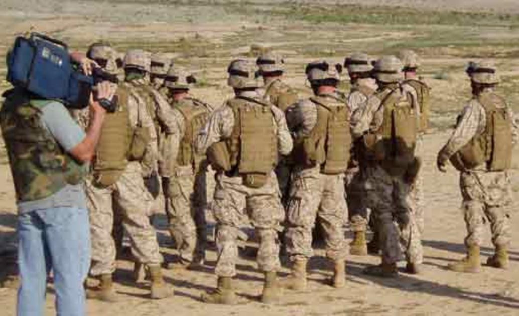 Gordon Forbes' film crew films U.S. soldiers in Iraq